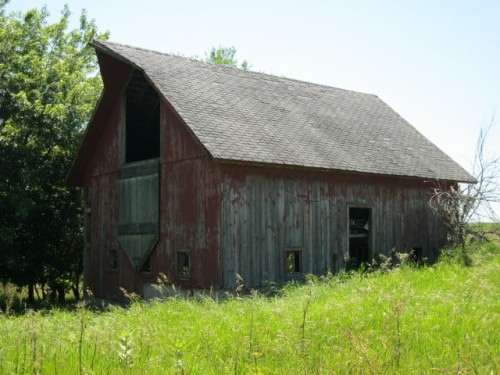 Roberts Family Farm- small barn circa 1970s.