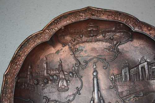 1904 St. Louis World's Fair-Round Metal Tray Souvenir-7 Fair Buildings.