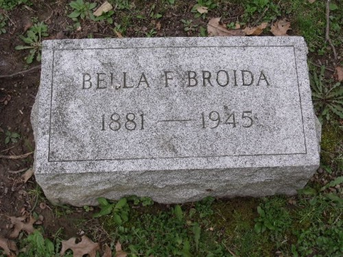 """Isabella """"Bella"""" Friedberg Broida headstone in West View cemetery, Pittsburgh, Pennsylvania, Section B, Lot 55. Image courtesy of a FAG volunteer and posted with permission."""