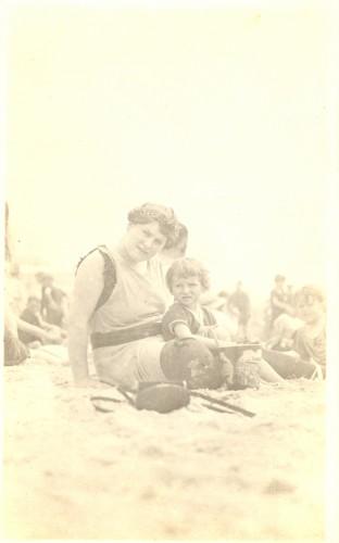 Lilian Bildhauer Broida and daughter Georgian Broida at the beach, possibly c1920.