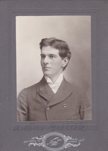 Arthur Gillette