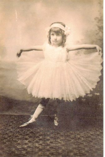 Gertrude Belle Broida (later Cooper), about age 3, circa 1914.