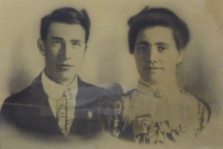 William F. Underwood and Nellie Bethel Goodson - 1 March 1903, their wedding day. From he family treasure chest.